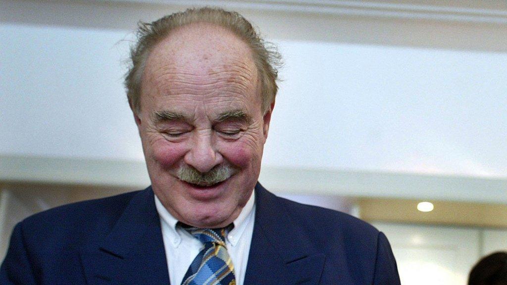 Vrouw professor Bob Smalhout overleden | RTL Boulevard
