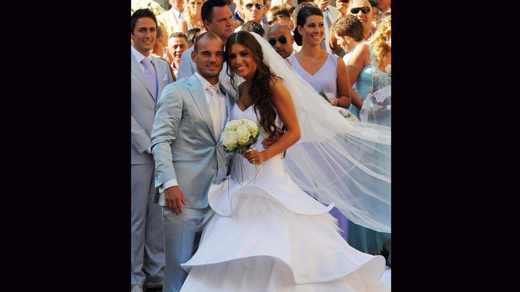 Verbazingwekkend De mooiste trouwjurken van jarige Mary Borsato | RTL Boulevard MC-64