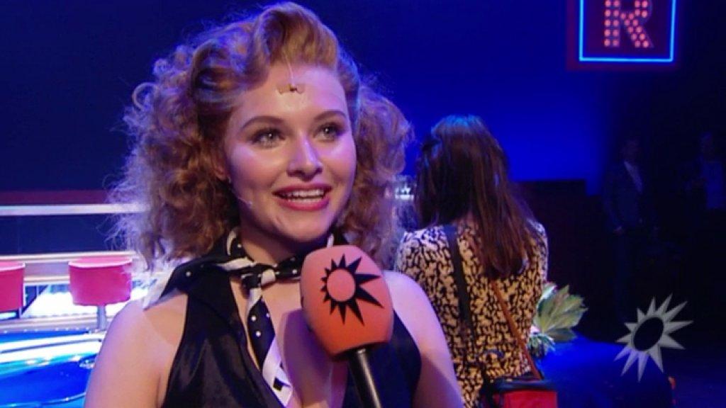 Video: stralende Vajèn overwint zenuwen voor première Grease