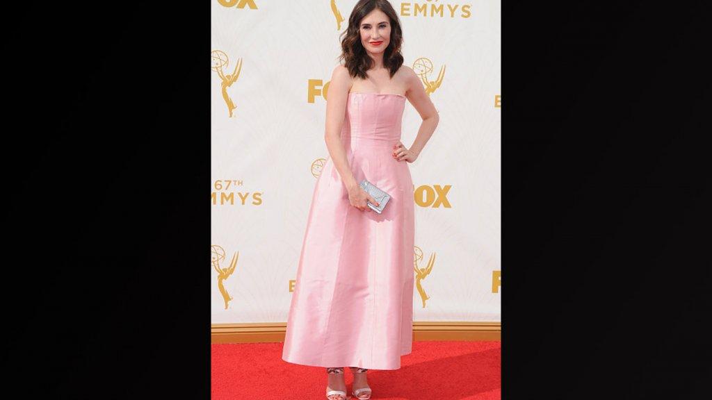 Licht Roze Jurk : Emmys: de meest opvallende jurken rtl boulevard