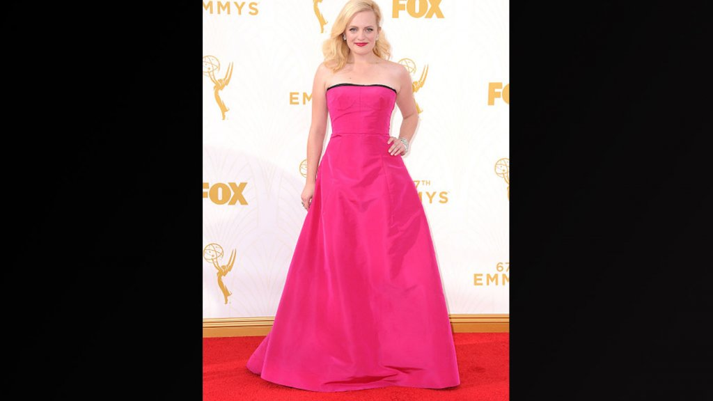 Licht Roze Jurk : Emmy s de meest opvallende jurken rtl boulevard