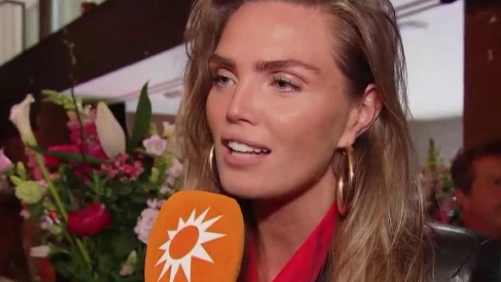 Kim Feenstra is heel blij voor vriendin Sylvia Geersen