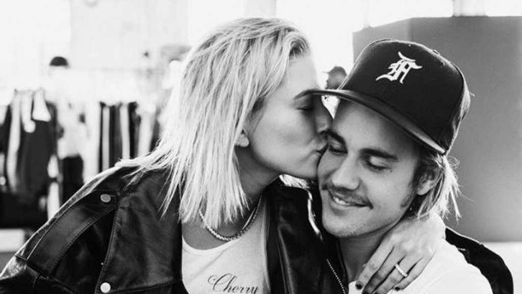Wie is Justin Bieber dating nu 2013