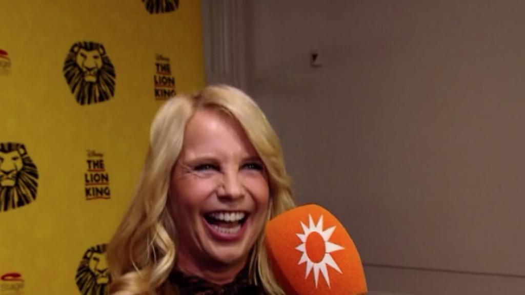 Oeps: Linda praat bijna haar mond voorbij over huwelijk Johnny