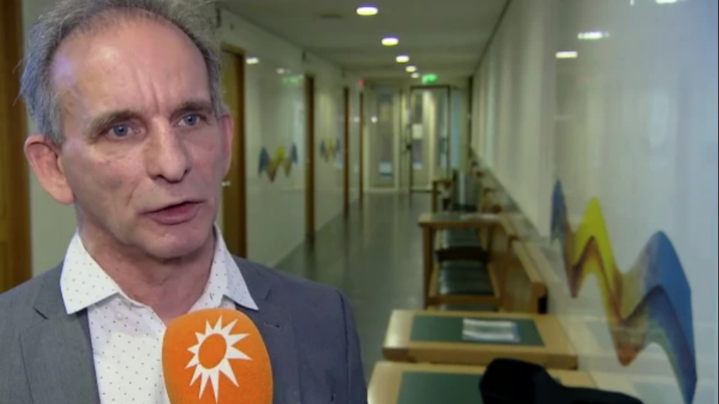 Johan Vlemmix mocht zijn pop niet meenemen in de rechtbank