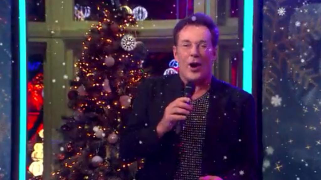 Gerard Joling zet RTL Boulevard-studio op zijn kop met kerstsi...