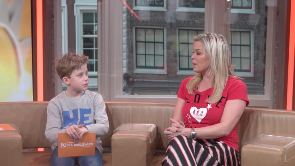 RTL Boulevard Junior: Mees wil alles weten van zijn bekende mo...