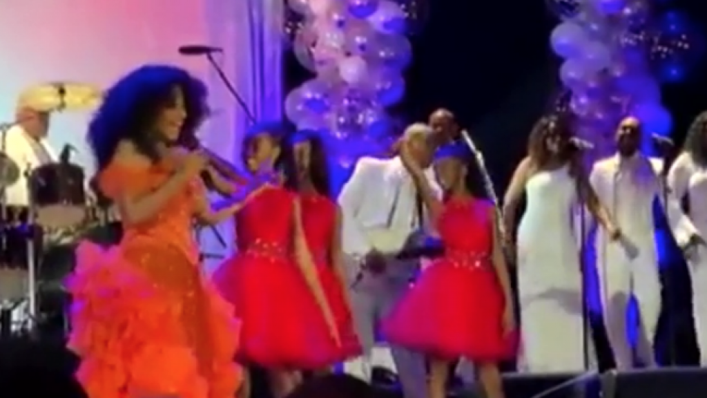 Diana Ross viert verjaardag met gastenlijst waar je u tegen zegt