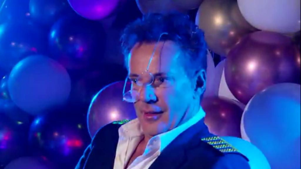 Gerard Joling viert 59ste verjaardag met heftig feestje