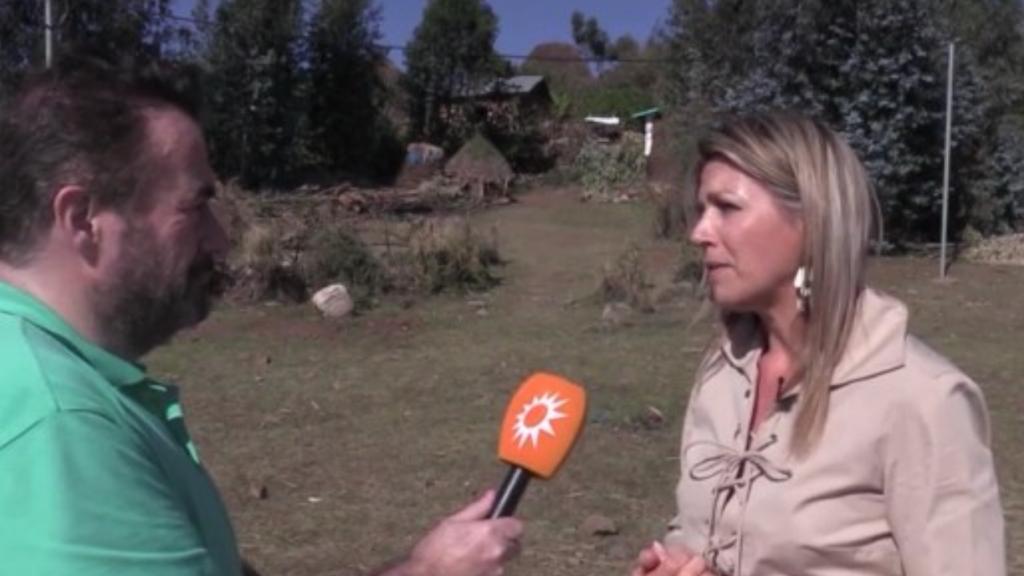 Marc van der Linden spreekt koningin Máxima in Ethiopië