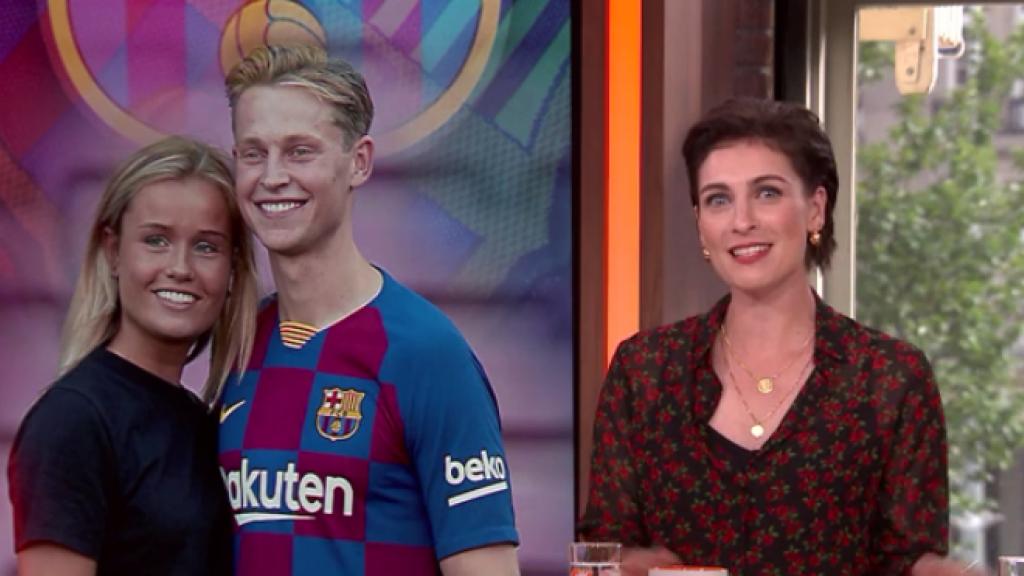 Vriendin Frenkie de Jong filmt weg naar FC Barcelona