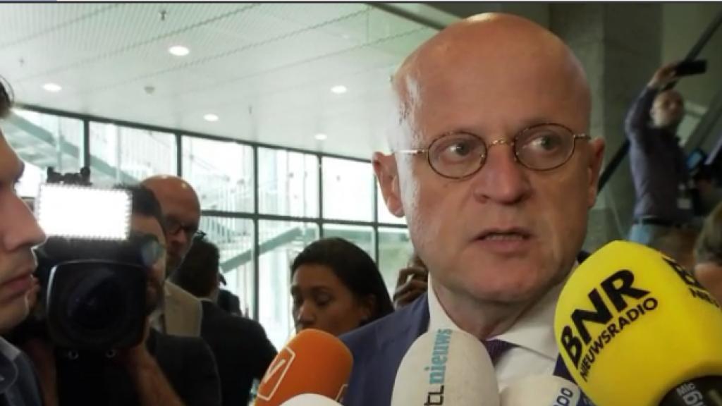 Minister Grapperhaus wil met zwaar geschut drugscriminelen ops...