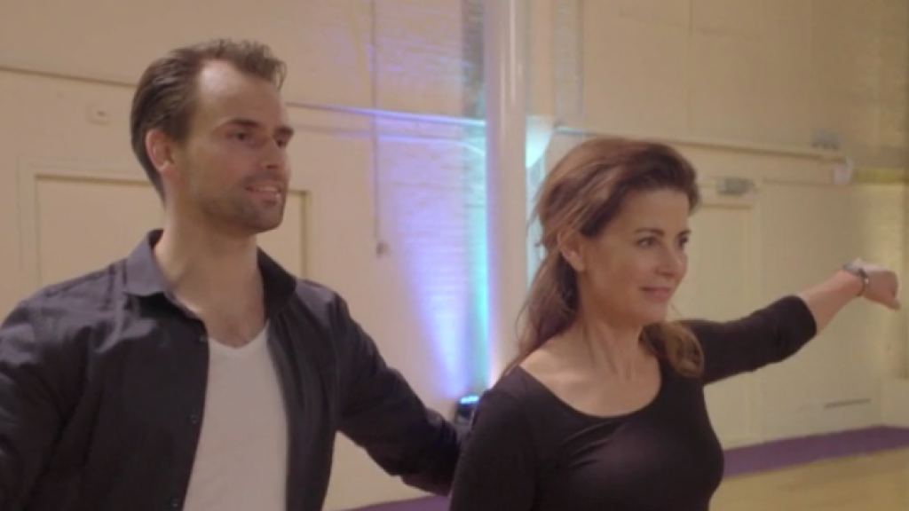GTST-cast showt losse heupen in Dancing with the Stars