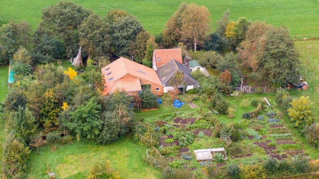 De boerderij aan de Buitenhuizerweg bij Ruinerwold.