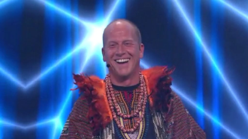 Rintje Ritsma blij als eerste afvaller The Masked Singer