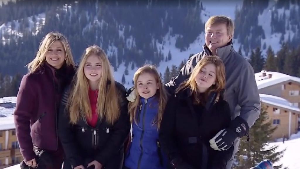 Koninklijke familie pakt uit met Sinterklaas