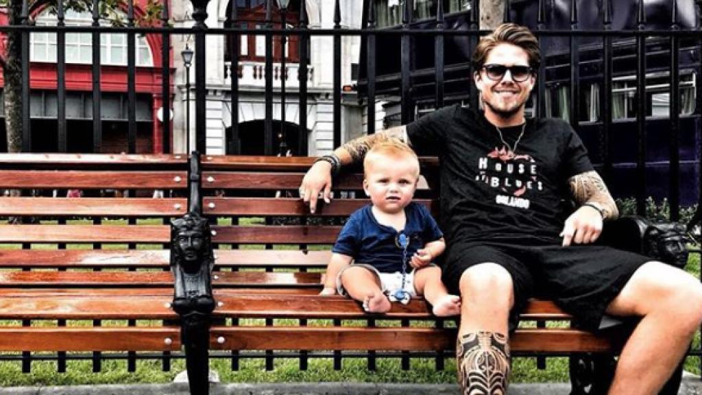 André samen met zijn zoontje, André Hazes jr.