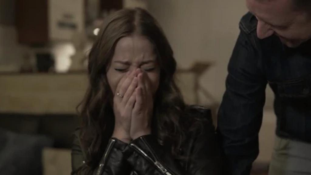 Griekse songfestival-inzending Stefania kan tranen niet bedwingen