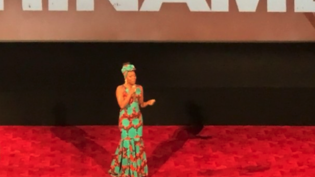Imanuelle Grives maakt comeback tijdens première