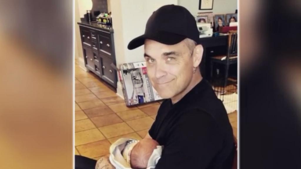 Robbie Williams laat zoon Beau voor het eerst zien