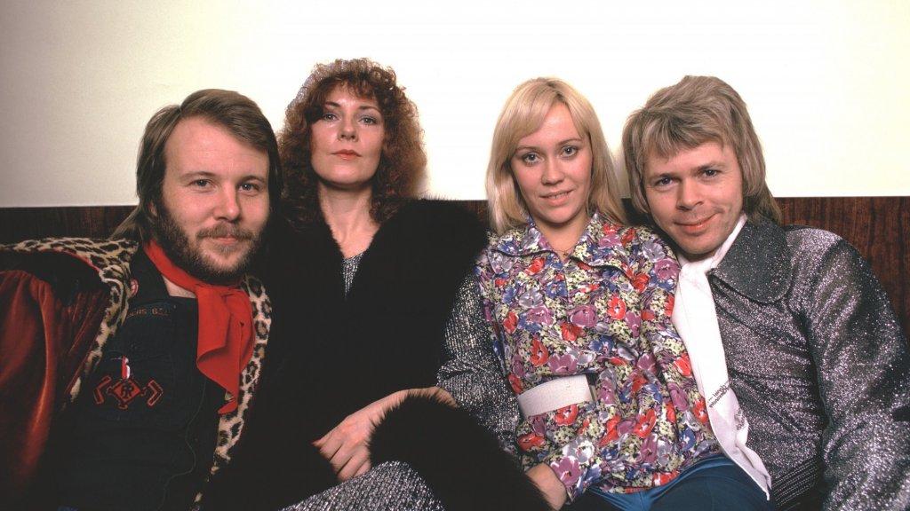 'ABBA maakt opwachting tijdens Europe Shine A Light'