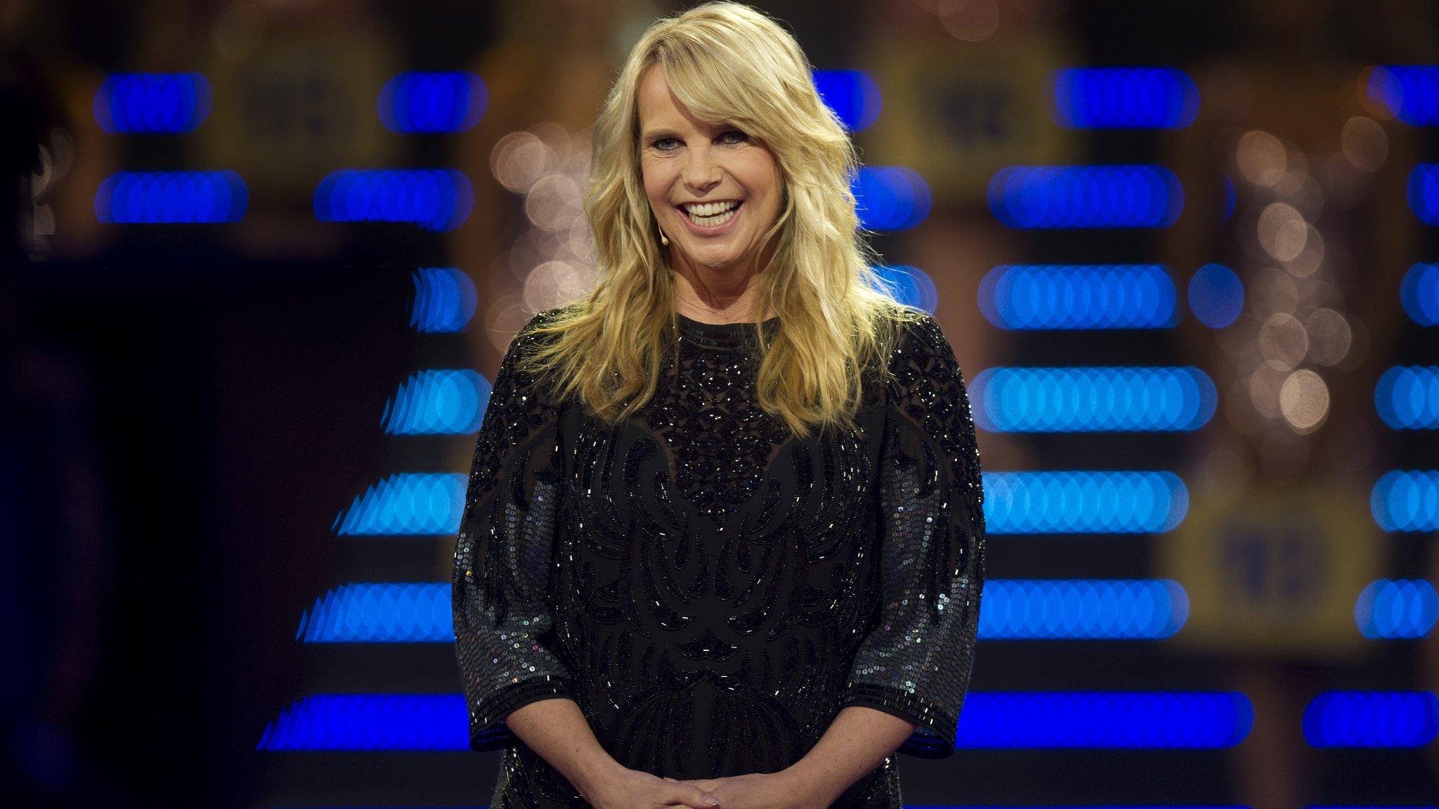 Linda de Mol volledig bloot op cover LINDA | RTL Boulevard