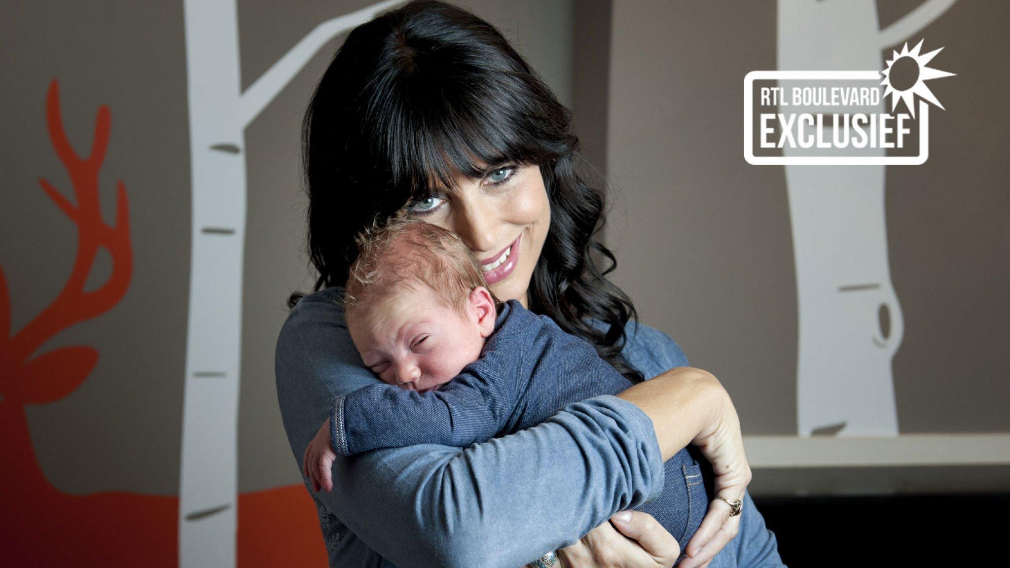 Foto's: Sandra Schuurhof deelt kiekjes van pasgeboren zoon ...