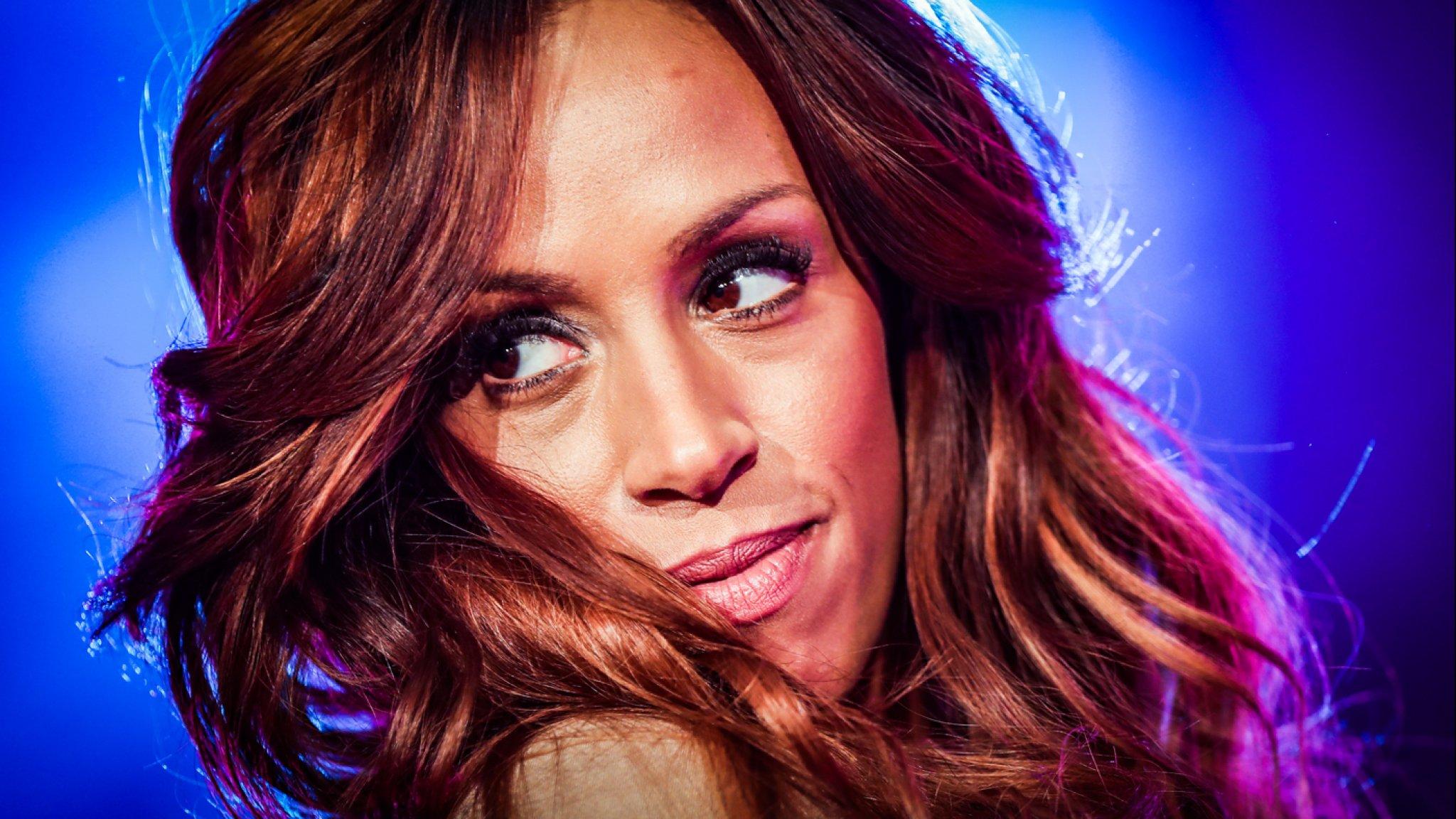 Yolanthe doet sexy fotoshoot op Ibiza - Flaironline - Voor