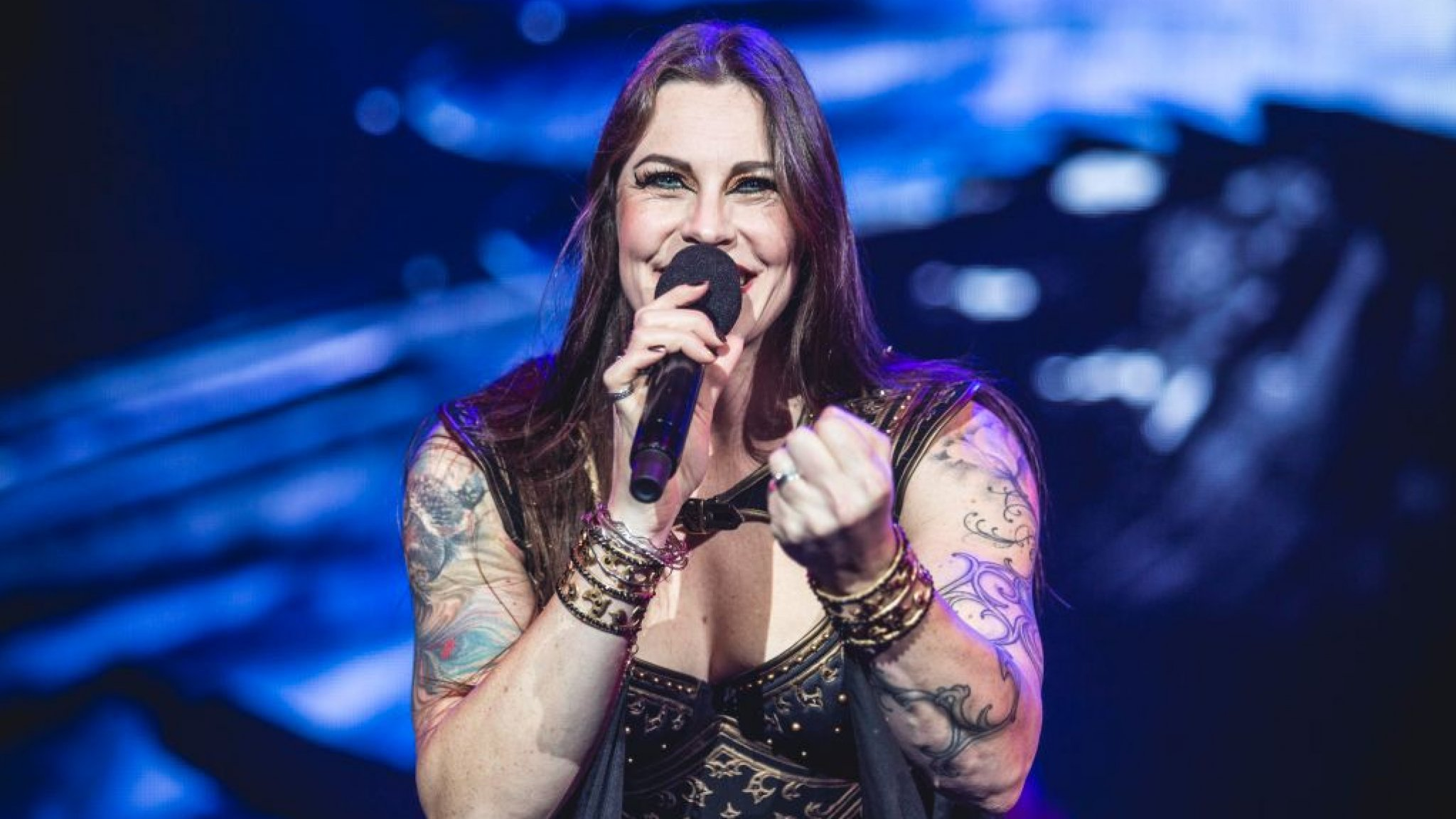 Floor Jansen finishes solo tour in AFAS