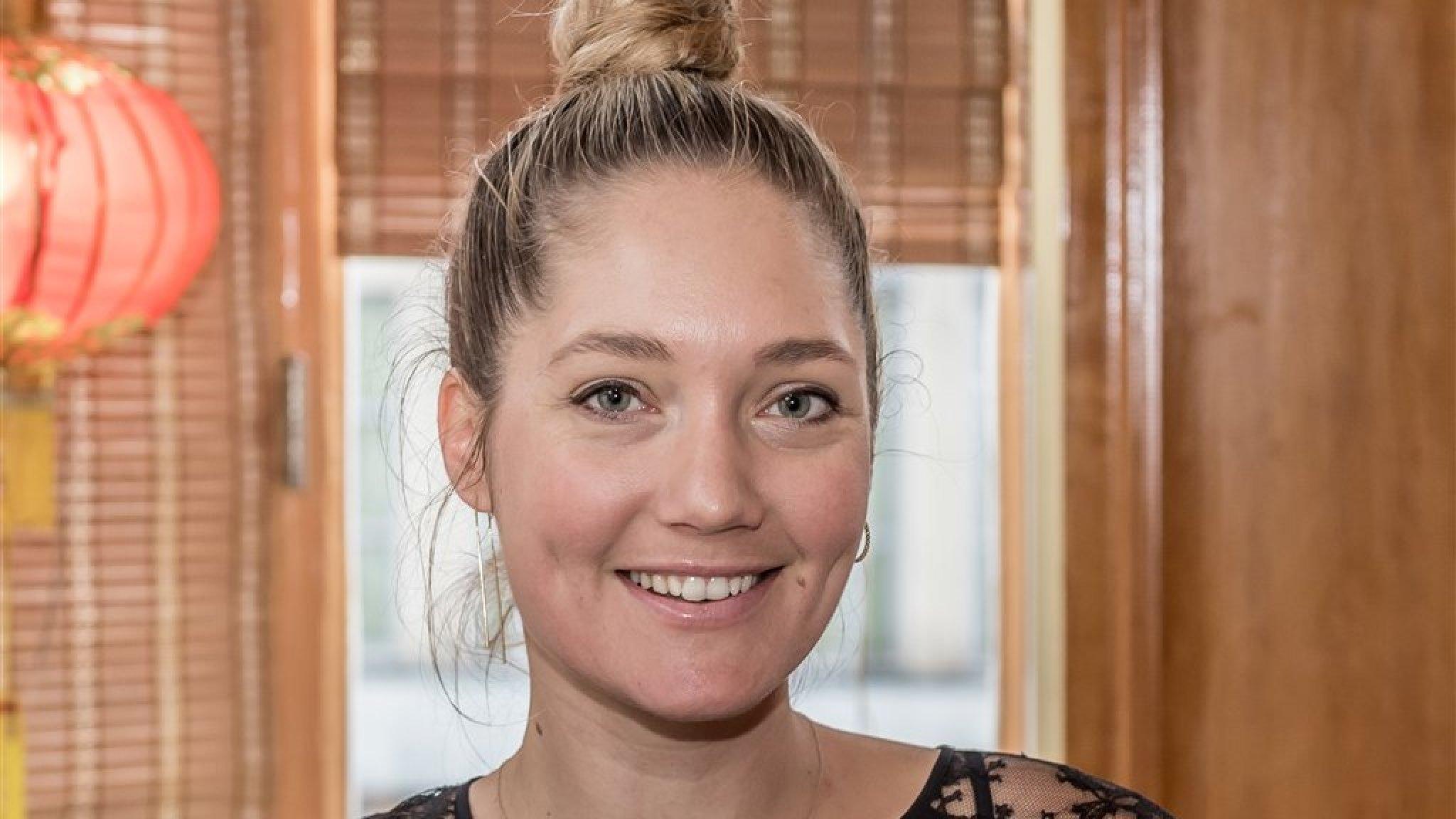 Rens Kroes laat voor het eerst gezicht dochter zien op social media - RTL Boulevard