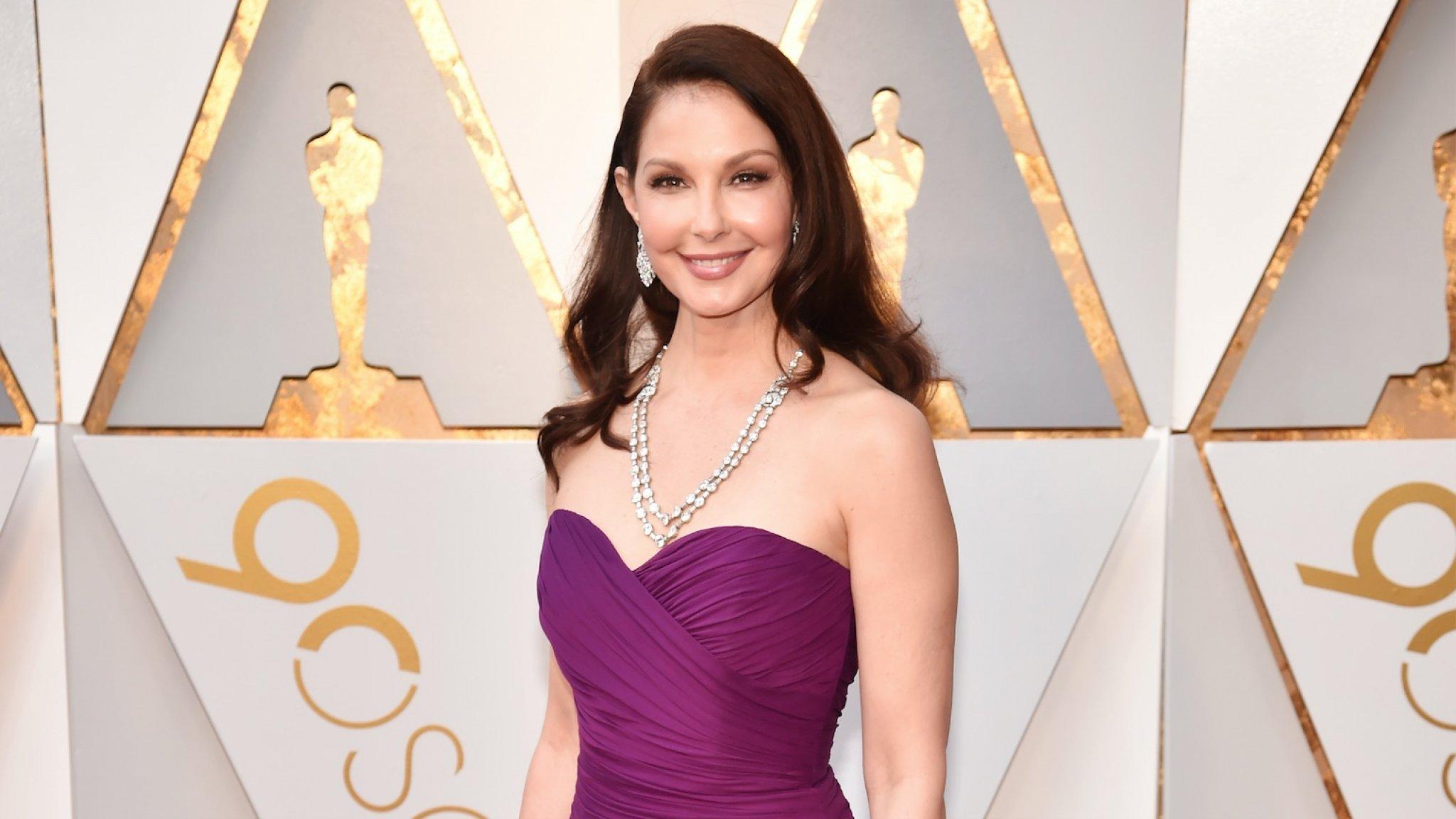 Ashley Judd zwaar gewond na catastrofale val in Congo ...