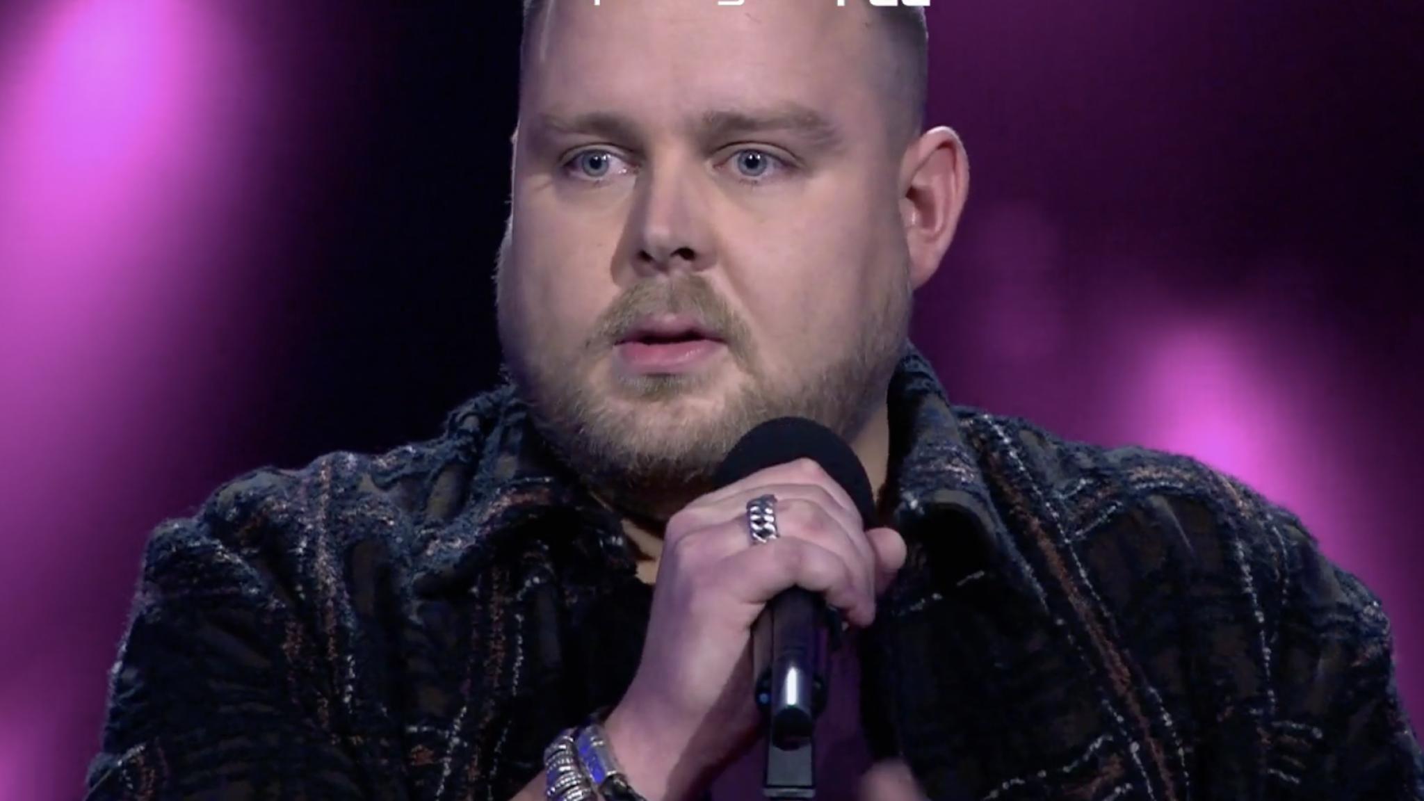 TVOH-optreden Jasper abrupt onderbroken door coaches - RTL Boulevard