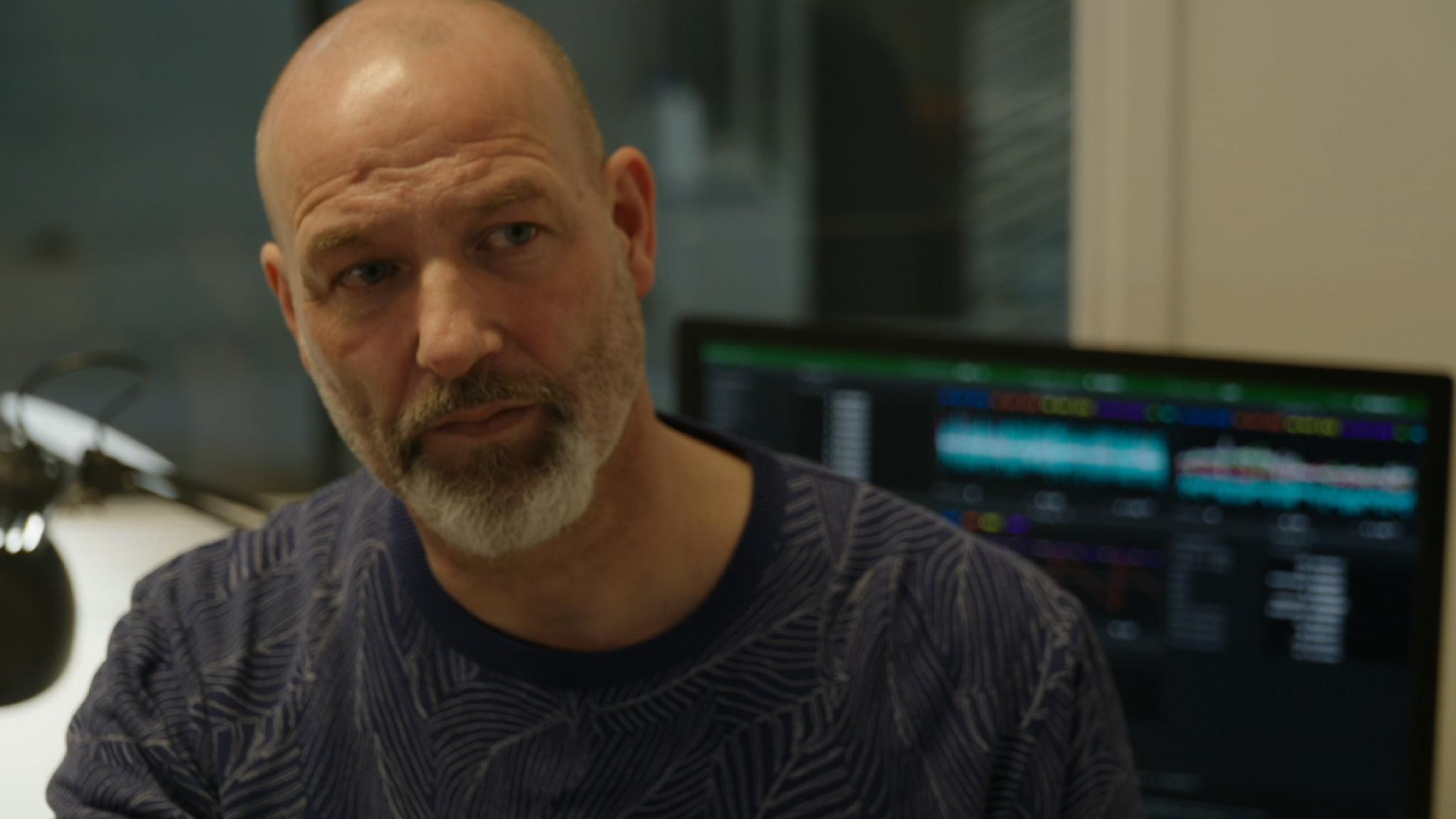 Eddy Zoëy ervaart hoe het is om te leven met parkinson - RTL Boulevard