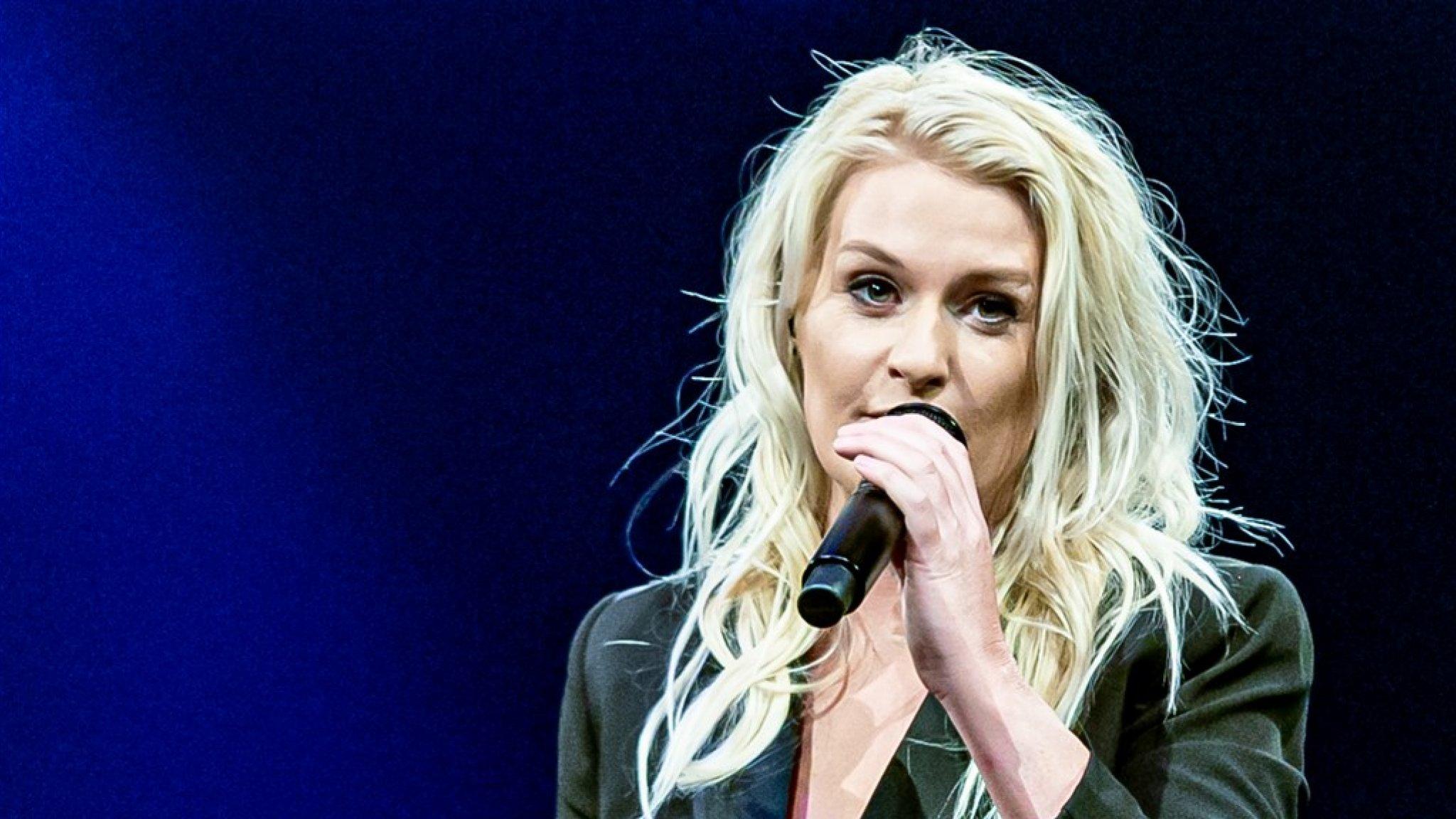 Sanne Hans stapt over op Nederlandstalig: 'Het is alles wie ik ben' - RTL Boulevard