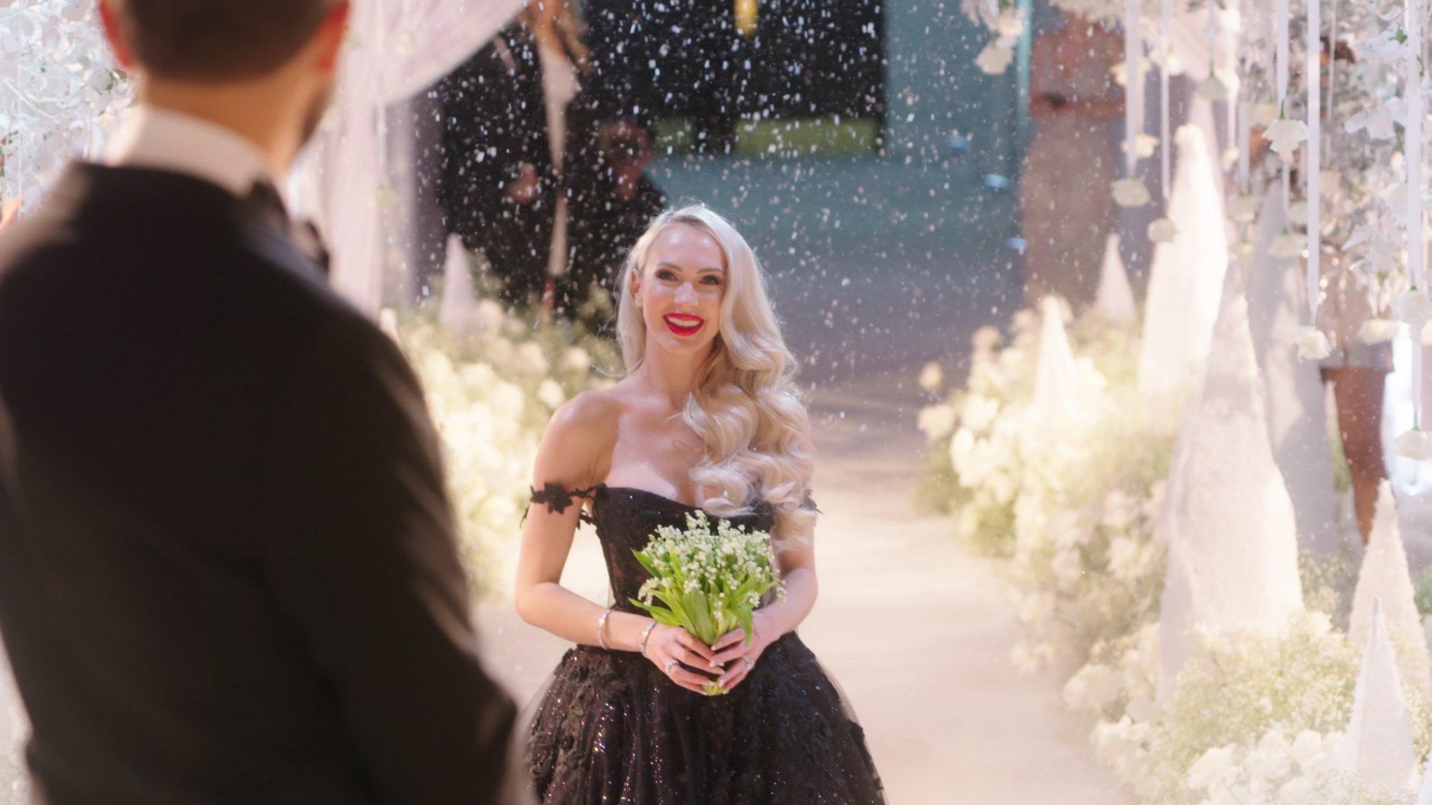 Christine wil bevalling filmen voor Selling Sunset: 'Sta ervoor open' - RTL Boulevard